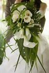 Bouquet de mariée fleurs blanches et feuillage